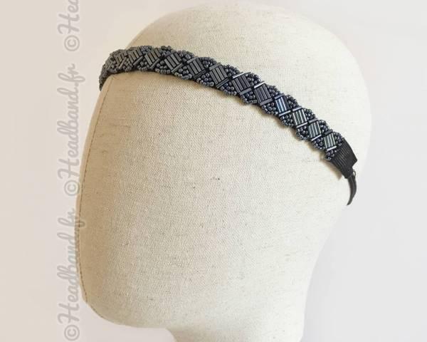 Bijou de tête bleu en perles