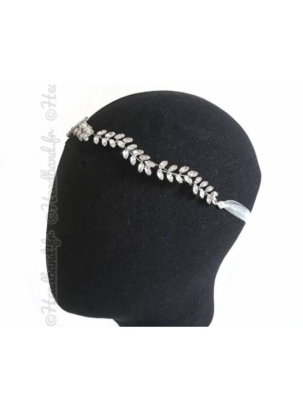 Bijou de tête strass forme épi Déotille porté