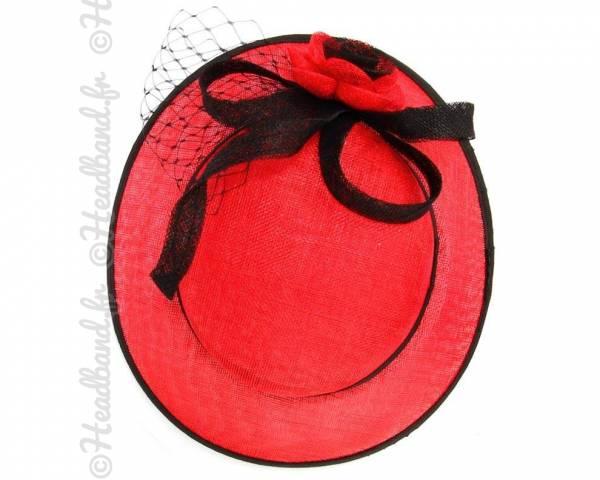 Chapeau rouge et noir voilette et fleur