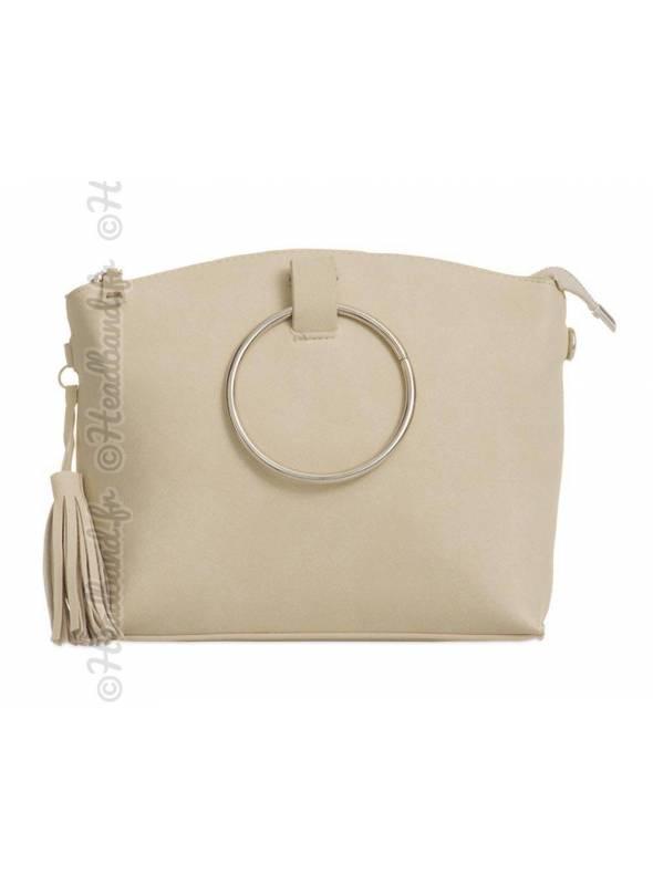 Petit sac simili daim avec cercle métal beige