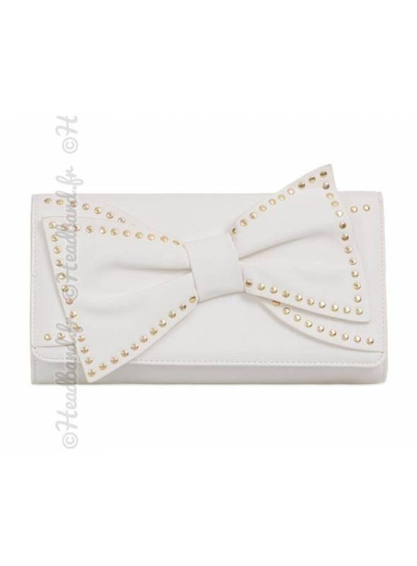 Pochette noeud avec clous métal cuir blanc