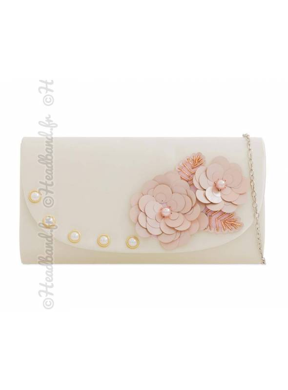 Pochette ivoire avec déco fleurie et perles nacrées