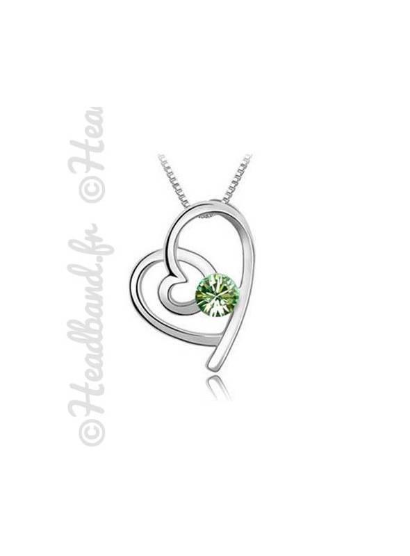 Collier court pendentif coeur vert