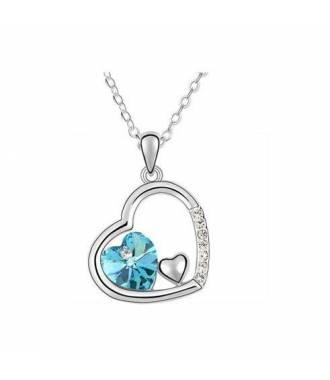 Collier pendentif forme coeur incrusté bleu