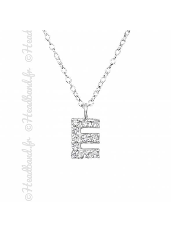 Collier argent strass zirconium lettre E