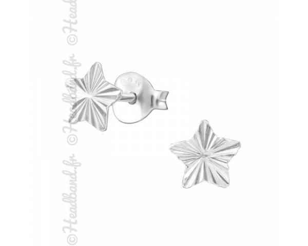 Clous d'oreilles motif étoile striée argent 925