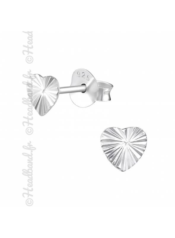 Clous d'oreilles motif coeur strié argent 925