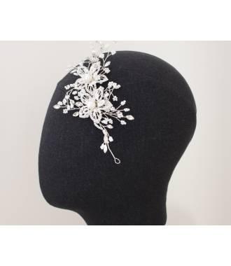 Coiffe de mariée en perles rocailles blanches