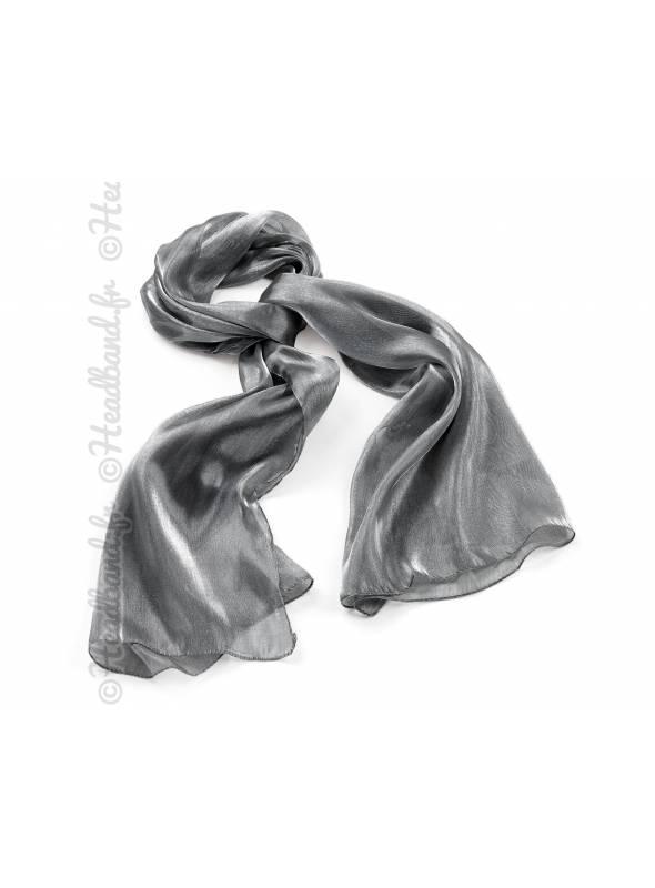Foulard gris effet métalisé
