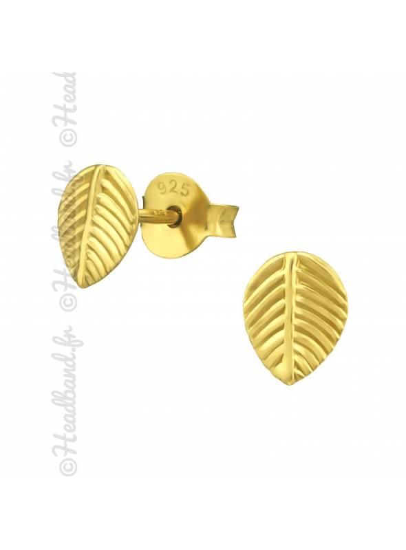 Clous d'oreilles petites feuilles plaqué or
