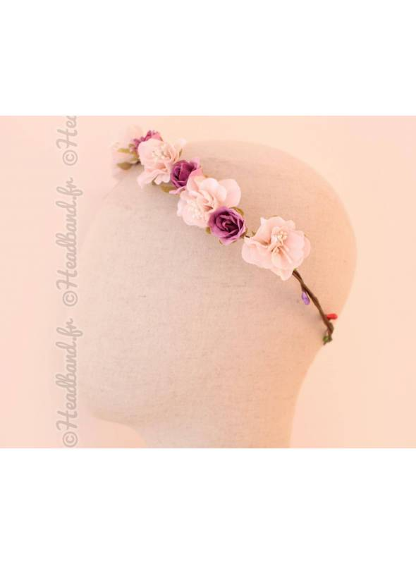 Couronne de fleurs et bourgeons rose et mauve