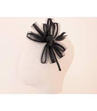 Serre-tête habillé en plumes et ruban tulle noir