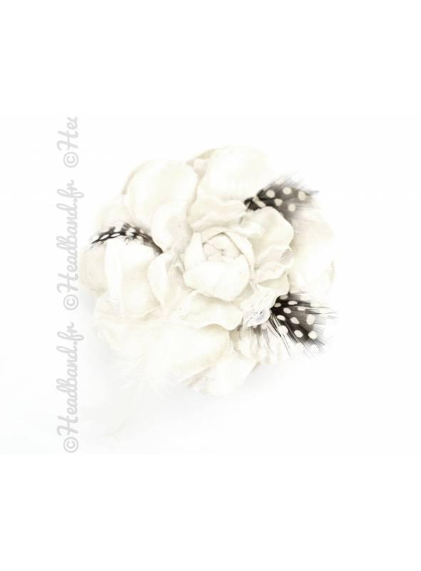 Bibi fleur à plumes avec pince crème