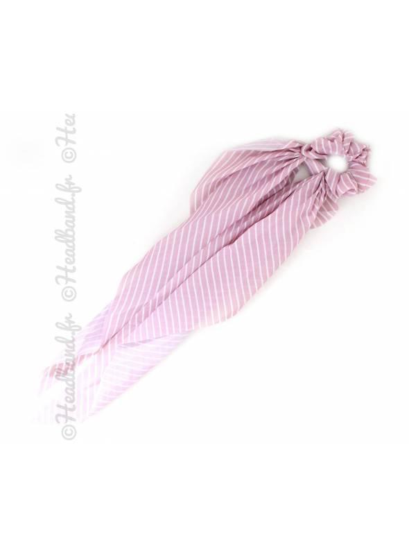 Chouchou foulard rayé rose en satin