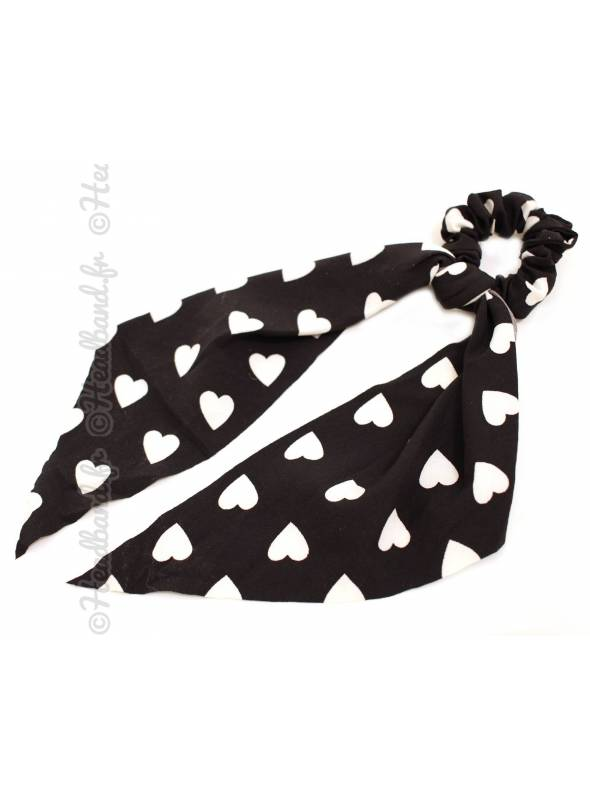 Chouchou ruban motif coeur noir et blanc
