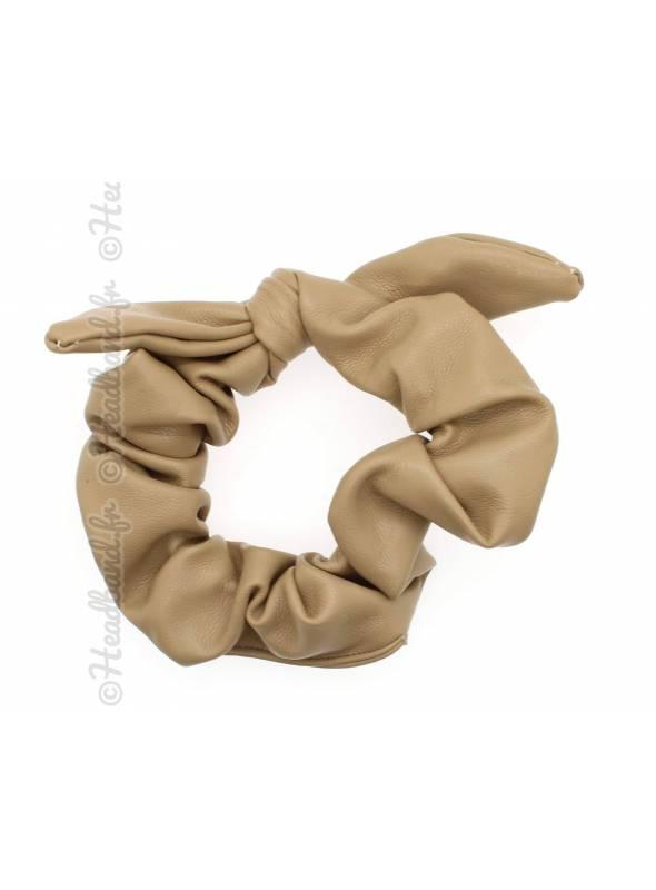 Chouchou noeud en cuir beige