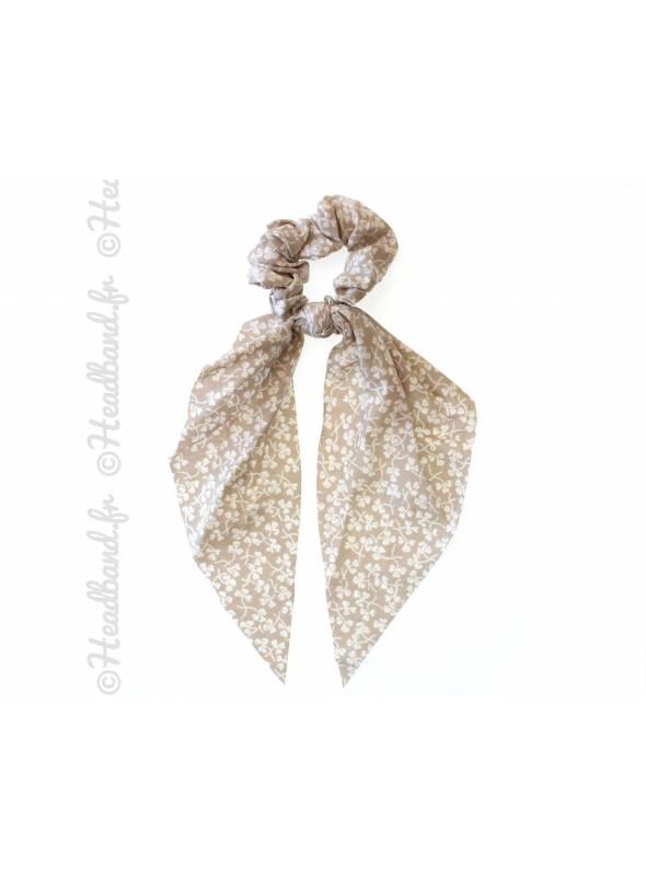 Chouchou foulard motif trêfle beige