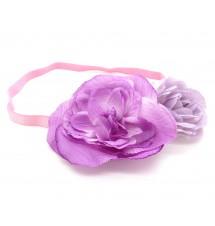 Bandeau fleur violet porté