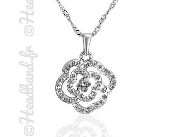 Collier rose cristaux blanc