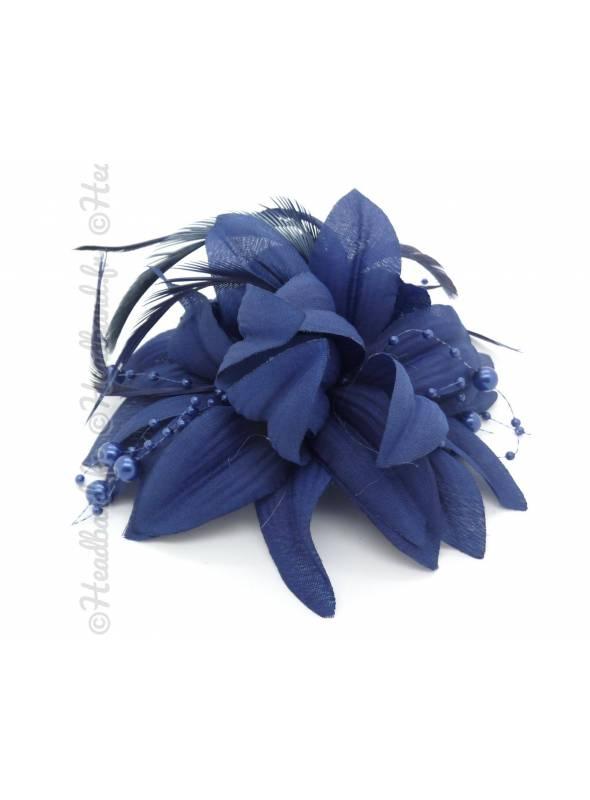 Barrette perles et plumes bleue