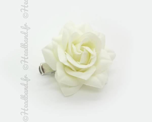 Pince clip camélia crème