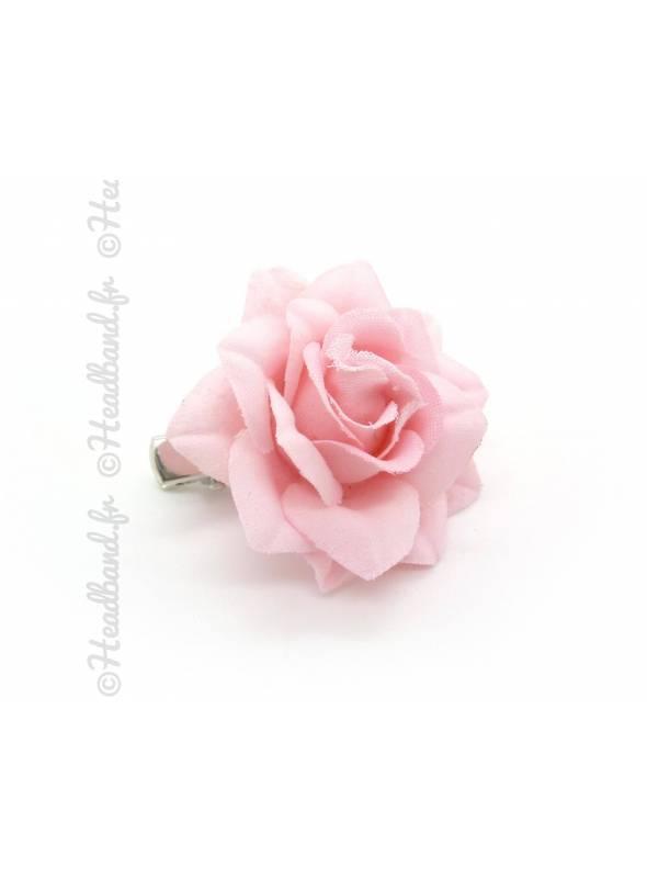 Barrette clip camélia rose clair
