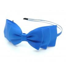 Serre-tête satin bleu klein porté