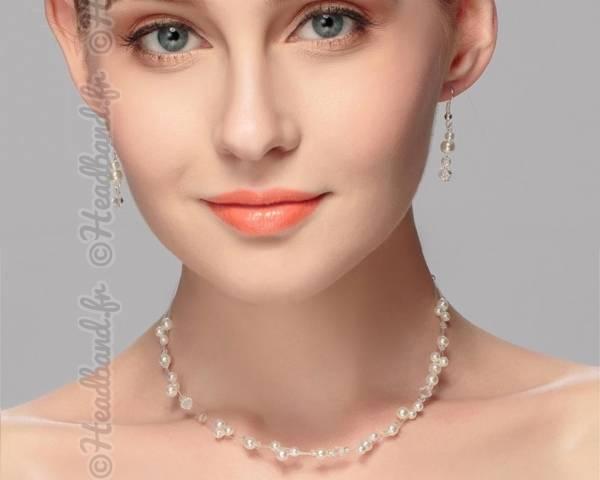Boucles et collier perles délicates
