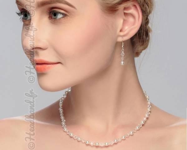 Boucles et collier ras de cou perlé