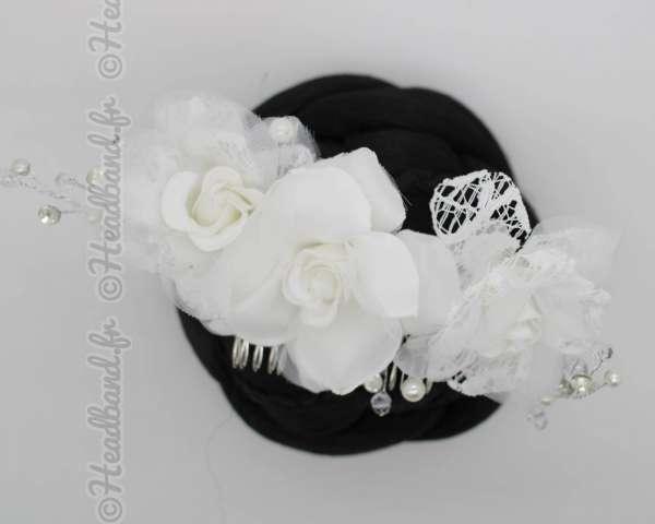 Peigne fleuri cérémonie blanc