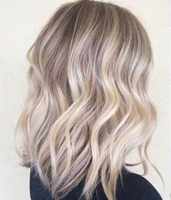 Cheveux avec effet wavy