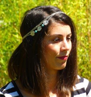 Mélanie Laurent se coiffe avec un headband bijou
